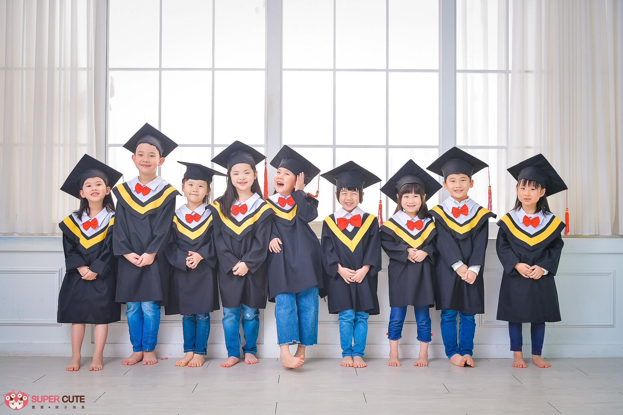 畢業照,畢業拍攝,幼稚園畢業照,幼稚園畢業寫真,畢業寫真,幼稚園畢業拍攝,兒童寫真,大班寫真,寶寶寫真,幼稚園畢業團體照,全家福